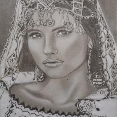 Portrait d'une mariée au fusain et graphite